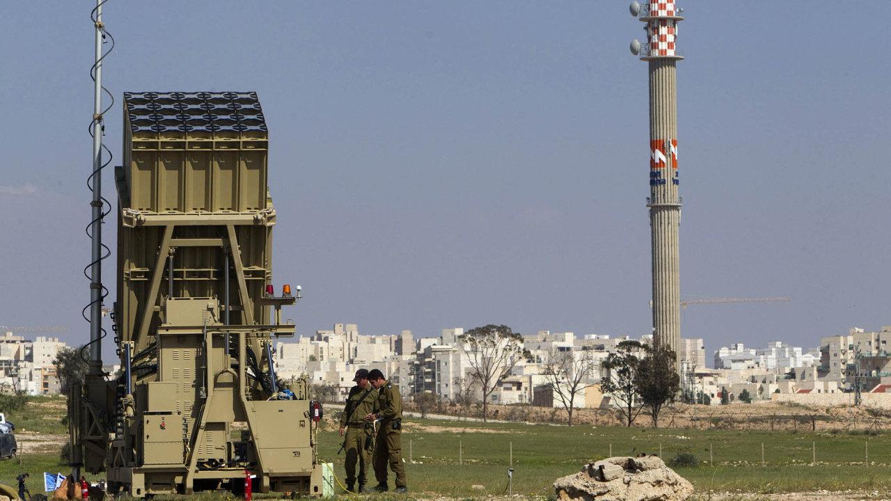Izraelský protiraketový systém Iron Dome dokáže zničit většinu střel vypálených na Izrael teroristickým hnutím Hamás z Gazy.