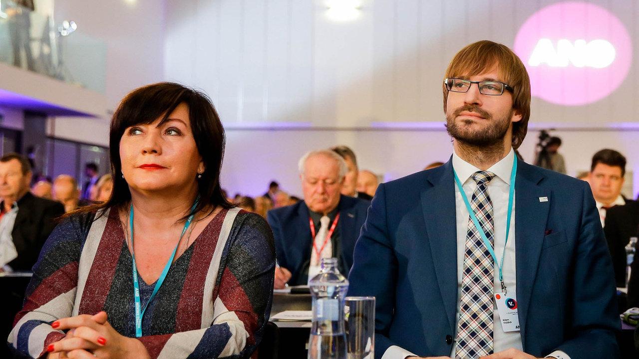 Návrh ministryně financí Aleny Schillerové podporuje i ministr zdravotnictví Adam Vojtěch.