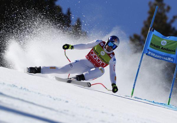 Italský lyžař Dominik Paris potvrdil triumfem v superobřím slalomu ve finále Světového poháru v Soldeu zisk malého glóbu.