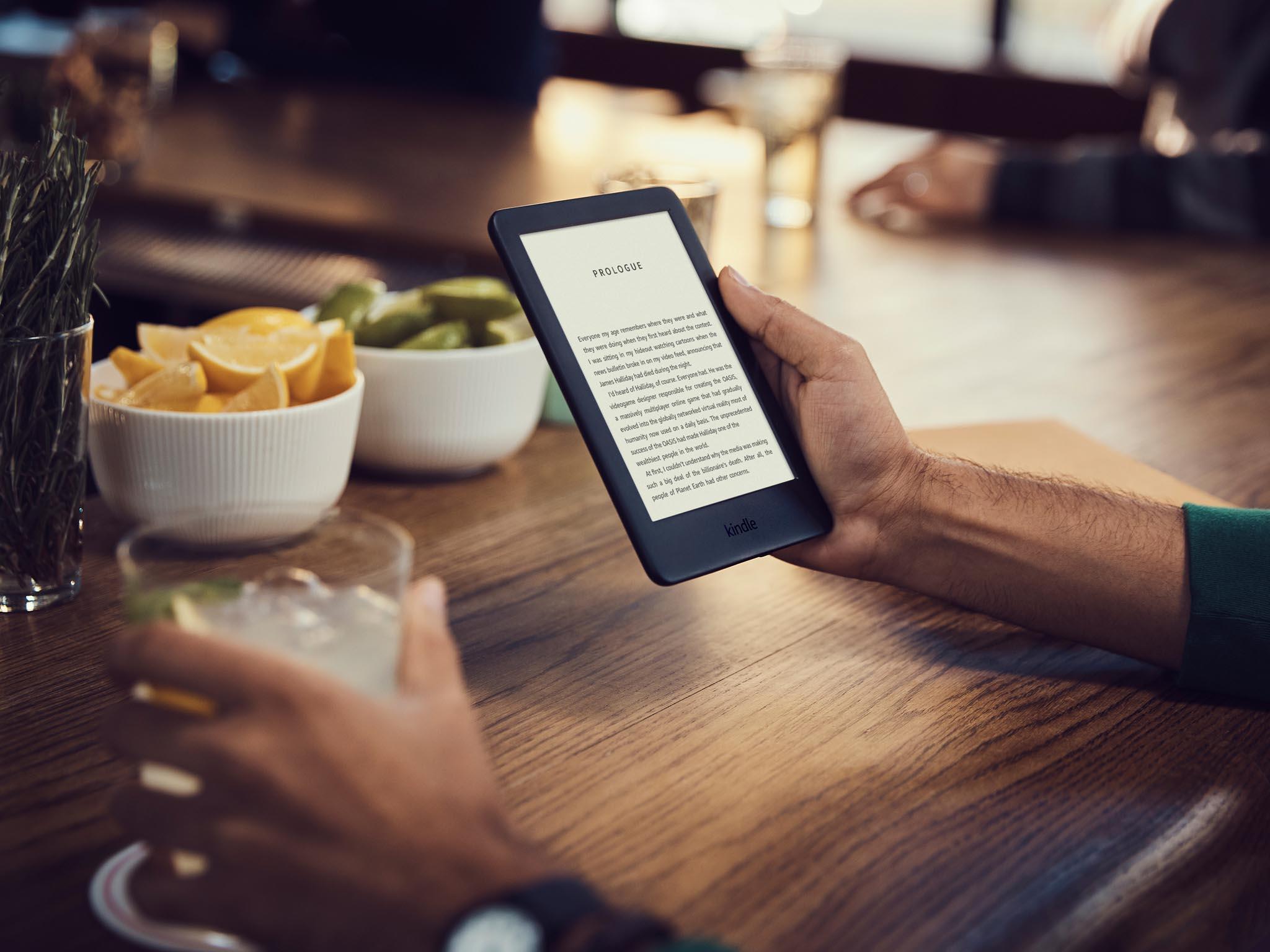 I tennejlevnější nový Kindle za2300 korun (90 eur) získal integrované osvětlení.