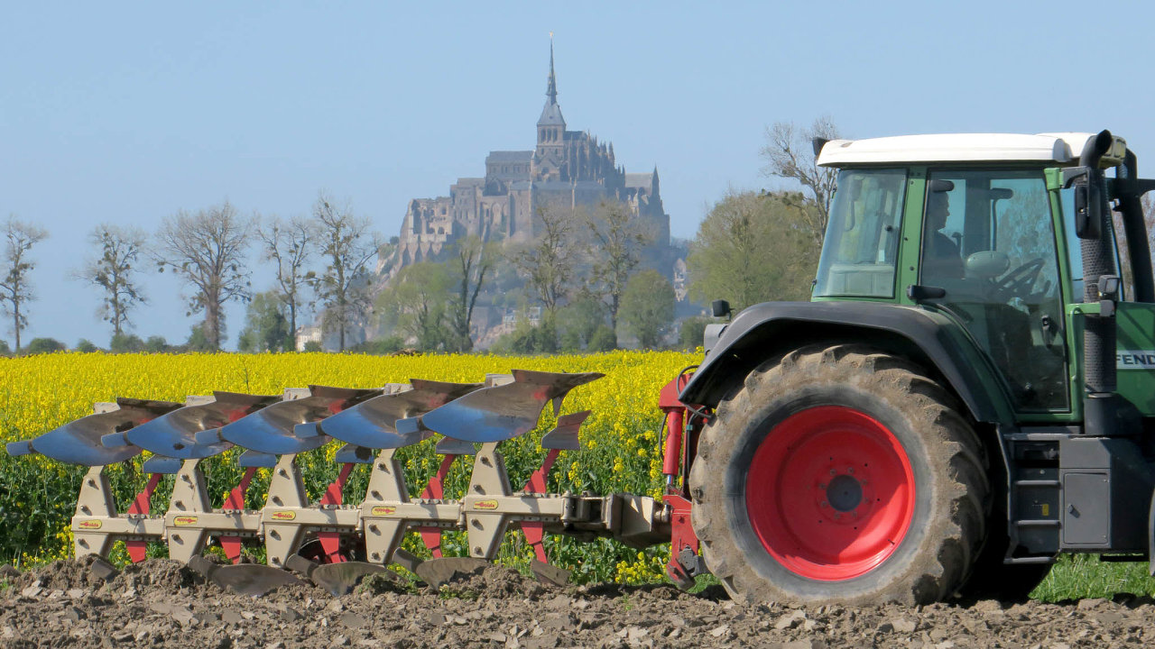 Kvůli suchu omezuje Francie zemědělcům hospodaření s vodou.