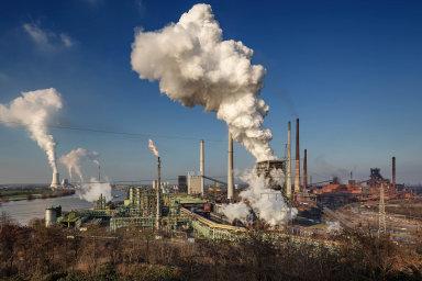 Dopady útlumu německého průmyslu se začínají projevovat i na ekonomikách zemí střední Evropy.