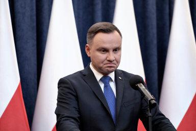 Hra omandát. Polský prezident Andrzej Duda by květnové volby pravděpodobně spřehledem vyhrál. Jiní kandidáti si myslí, že by nebyly regulérní.