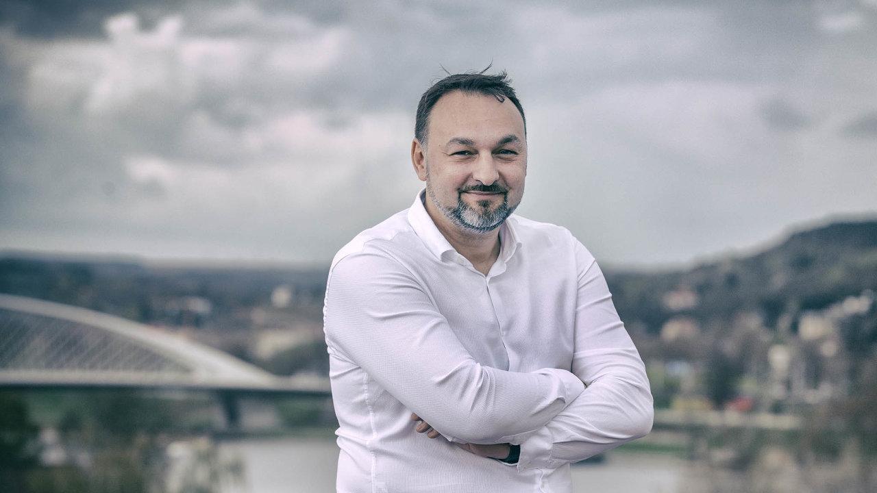 eMan: Softwarovou firmu vlastní čtyři společníci: kromě ředitele Jiřího Horyny (nasnímku) jsou to Tomáš Čermák, Michal Košek aJan Horyna.