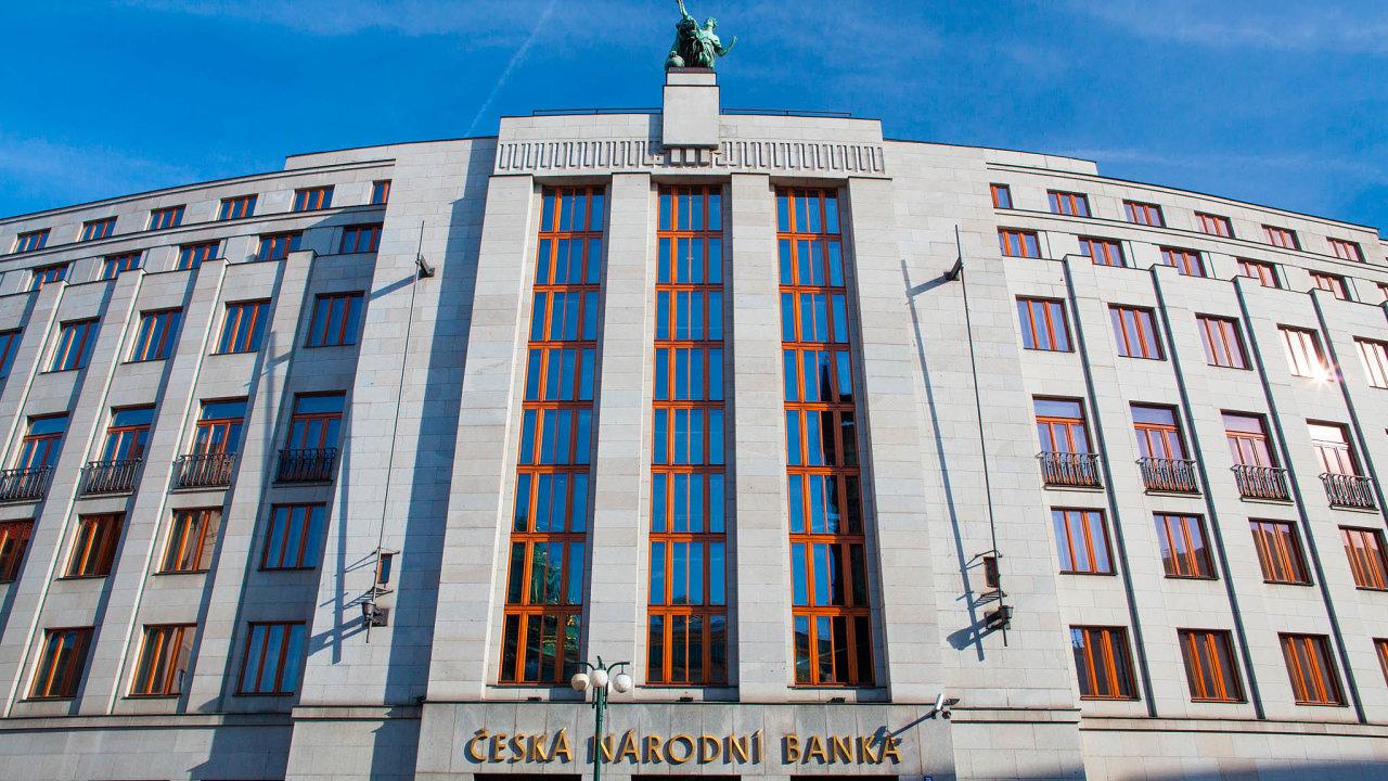 ČNB chystá další regulaci finančních poradců.
