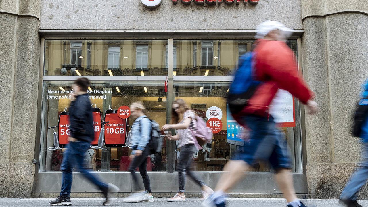Zákazníkmůže kdekoliv vČeské republice využívat ty nejkvalitnější služby odspolečnosti Vodafone, které jsme pospojení sUPC ještě výrazně rozšířili.