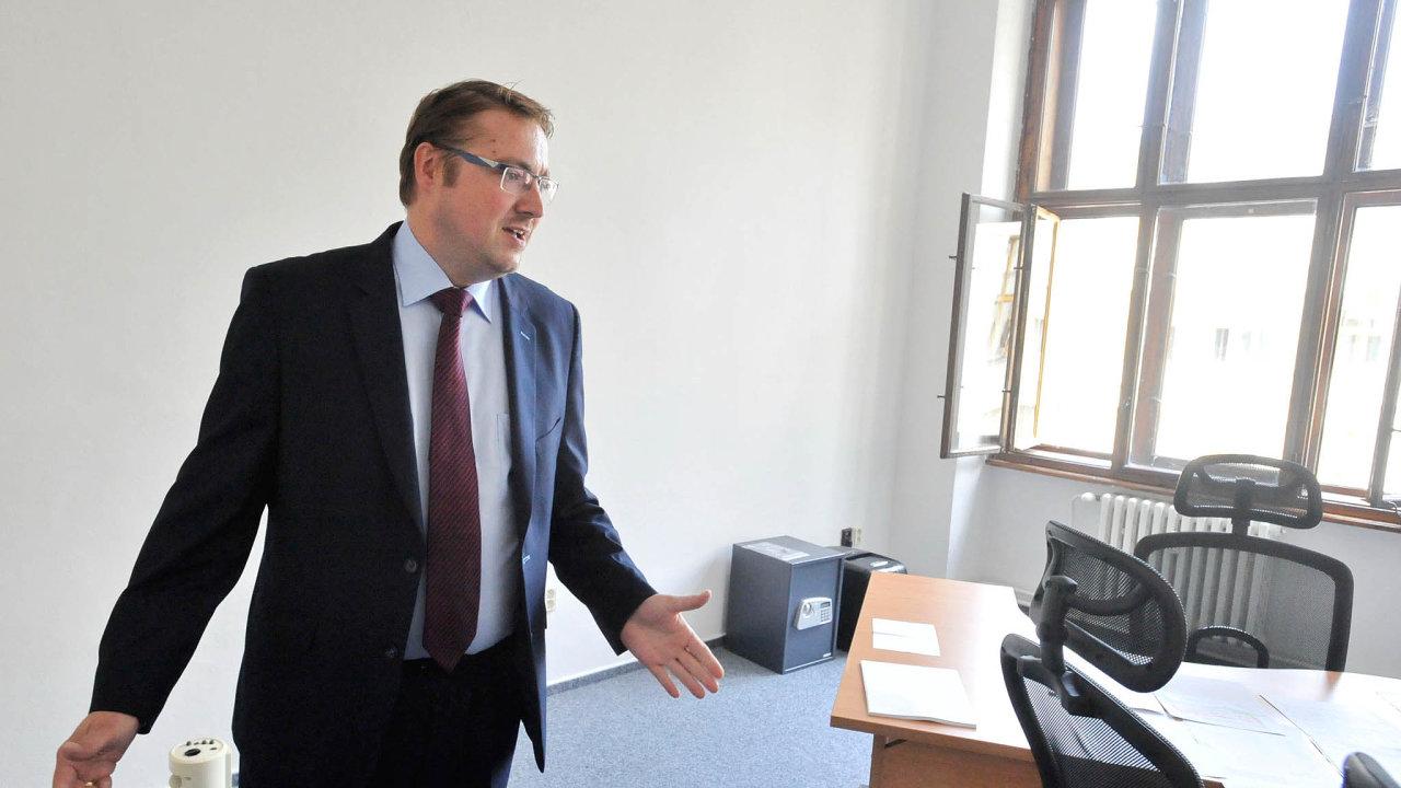 Kritizovaný šéf. Snažím se chod úřadu zefektivnit, říká Vojtěch Weis, který se dostal dosporu se svými kolegy.