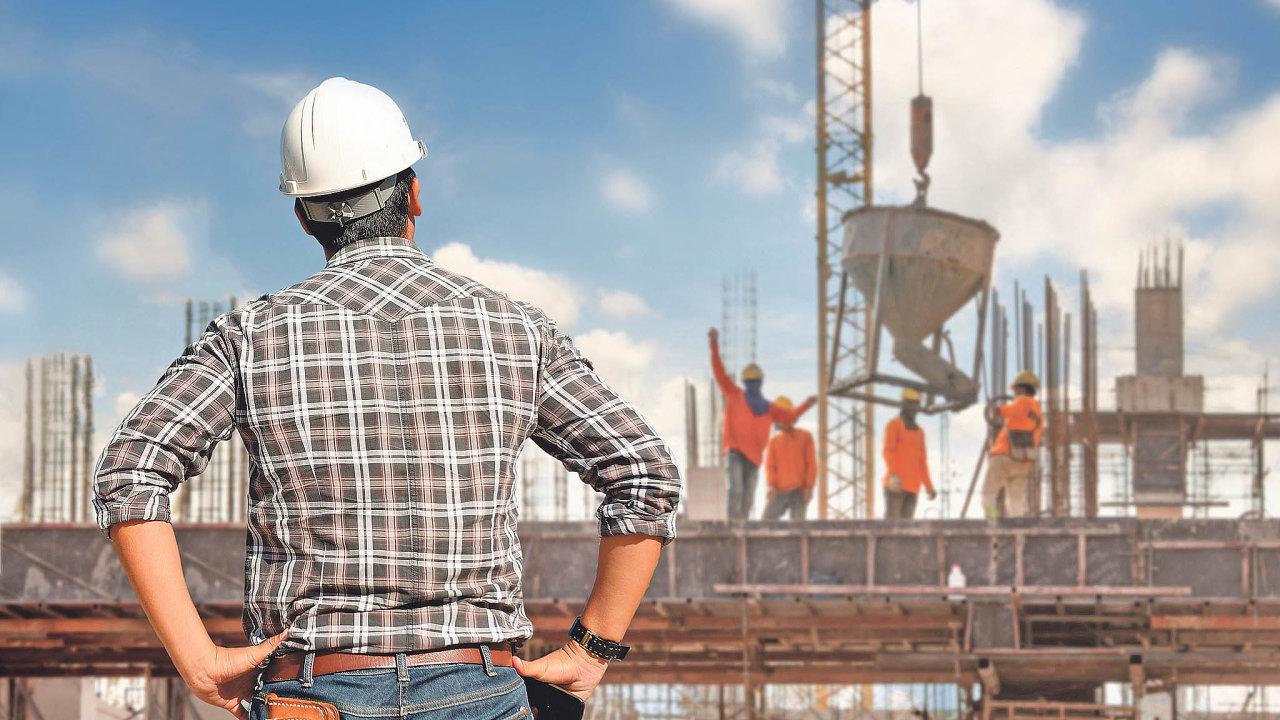 Stavební náklady se stále drží nasvém maximu. Podle Milana Vencla zespolečnosti Arcadis dál mírně porostou, ato vjednotkách procent.