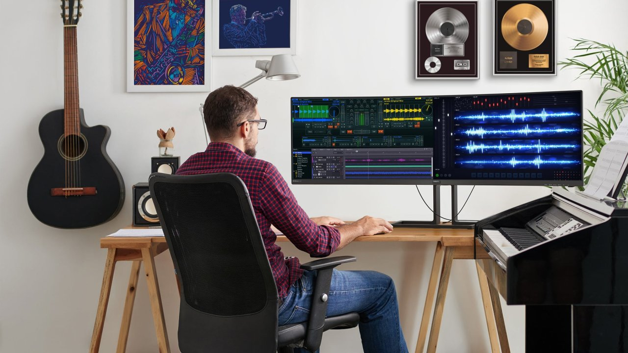 Ultraširoké monitory míří primárně na hráče, smysl mají i u editace videa nebo zvuku, nebo když potřebujete mít více aplikací vedle sebe