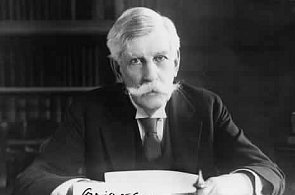 """Supreme Court Justice Oliver Wendell Holmes: """"I like to pay taxes. With them I buy civilization."""""""