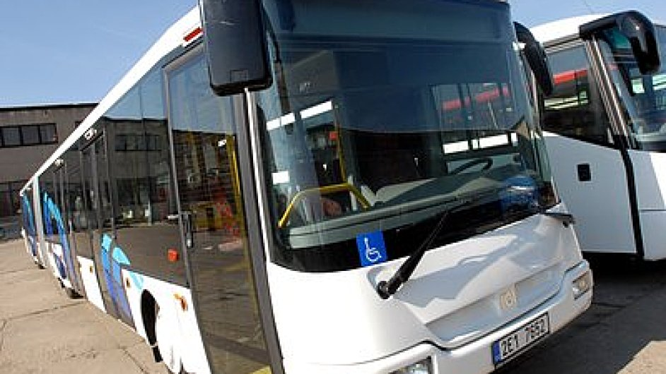 Dopravní odbory kvůli nízkým mzdám vyhlásily stávkovou pohotovost.