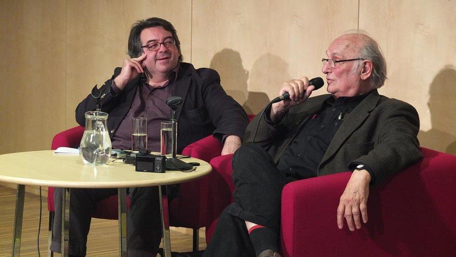 Debatu se Saurou vedl redaktor deníku El País Jesús Ruiz Mantilla.