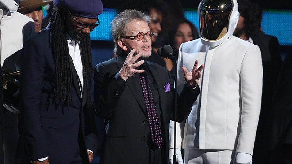 Francouzské elektronické duo, které tvoří Thomas Bangalter a Guy-Manuel De Homem-Christo, převzalo cenu za nejlepší album roku.