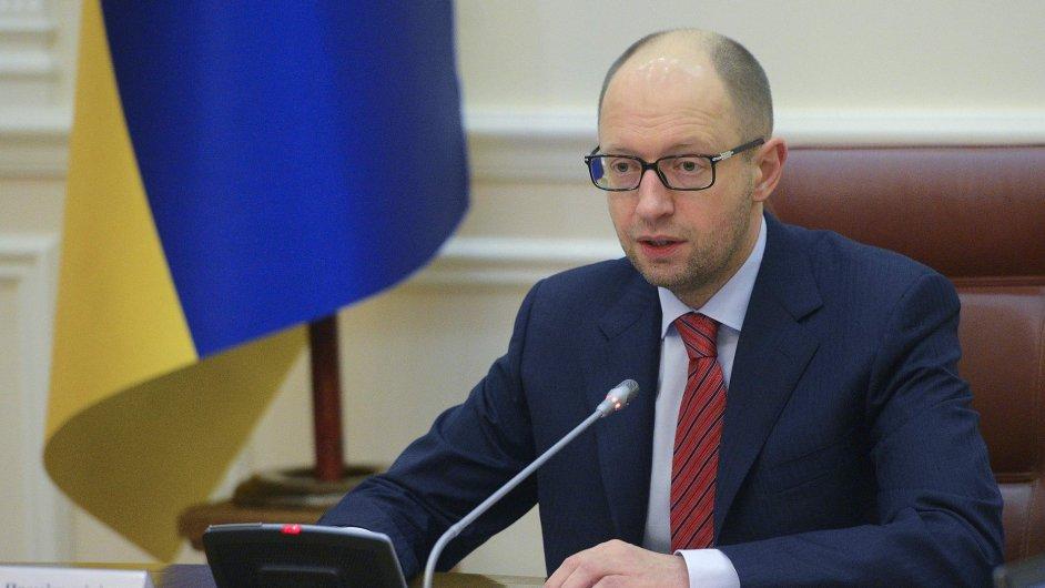 Premiér Arsenij Jaceňuk