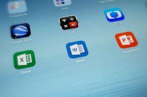 Office pro iPad je tady. Bez předplatného můžete na Word, Excel i Powerpoint jen koukat