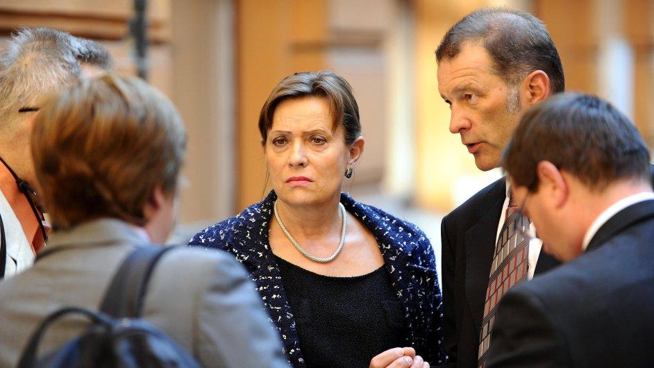 Předsedkyně Energetického regulačního úřadu Alena Vitásková u soudu