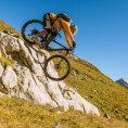 Z vrcholu dol�. Livigno se st�v� bikersk�m r�jem.