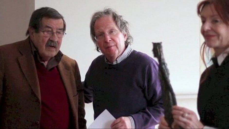 Günter Grass a ředitel Festivalu spisovatelů Michael March v roce 2013.
