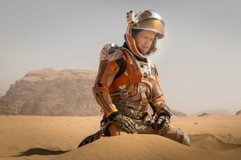 Film Marťan s Mattem Damonem přijde do českých kin 26. listopadu.