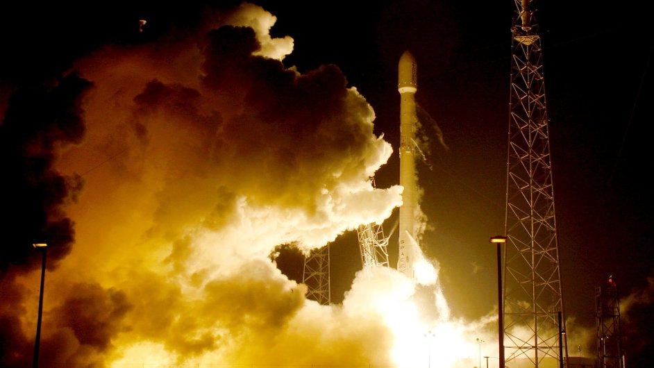 Raketa Falcon společnosti SpaceX odstartovala z mysu Canaveral