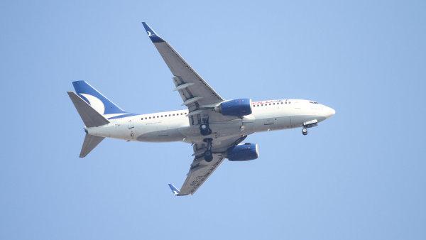 Boeing 737-700.