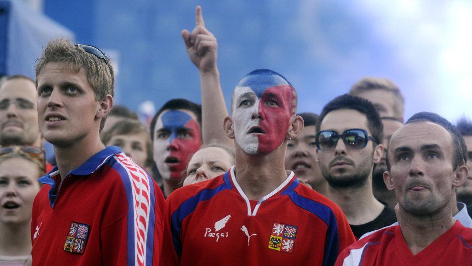 Češi na fotbale (ilustrační foto).