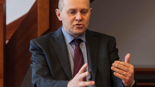 Výsledek výběrového řízení nyní Postránecký zrušil. Podle správního řádu je pravomocné rozhodnutí závazné pro správní orgány.