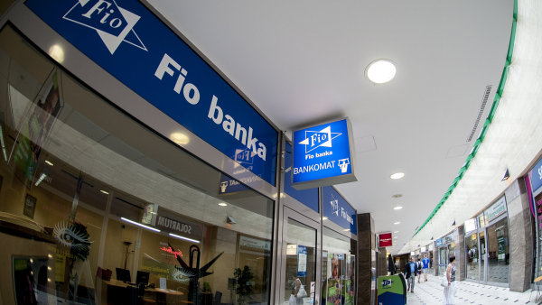 Fio banka má nyní v Česku 77 poboček.