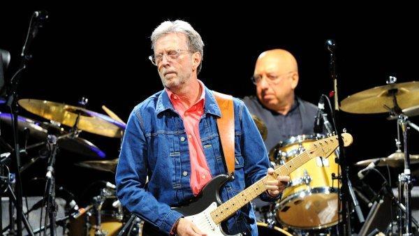 Eric Clapton na snímku z koncertu v německém Mannheimu v létě 2014.
