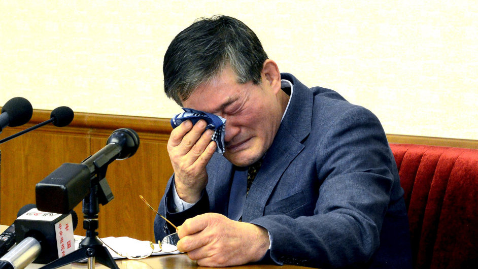 Kim Dong Chul.
