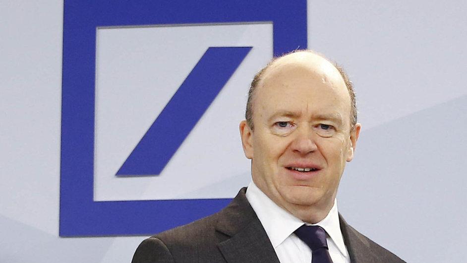 Předpis nazeštíhlení. Šéf banky John Cryan hodlá snížit počet poboček Deutsche Bank vNěmecku ovíce než čtvrtinu na535.