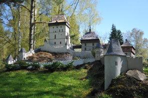 Velké památky v malém provedení: Prohlédněte si miniatury významných českých staveb