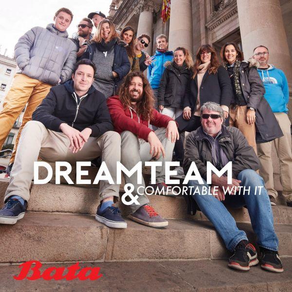 """""""Dream tým"""", který se podílel na focení reklamních vizuálů v Barceloně. Zcela vlevo stojí šéf týmu Tomáš Archer Baťa. Foto: Pavel Hejný"""