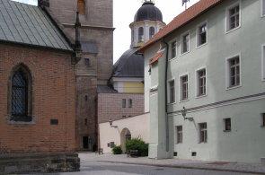 Klub za starou Prahu vybral nejlepší moderní stavbu v historickém prostředí. Vyhrála úprava renesanční věže v Hradci Králové