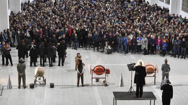 Snímek ze sobotního provedení Symfonie sirén na brněnském výstavišti.