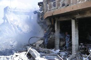 Sýrie před a po bombardování: Z výzkumného centra a údajného skladu chemických zbraní zbyly jen trosky