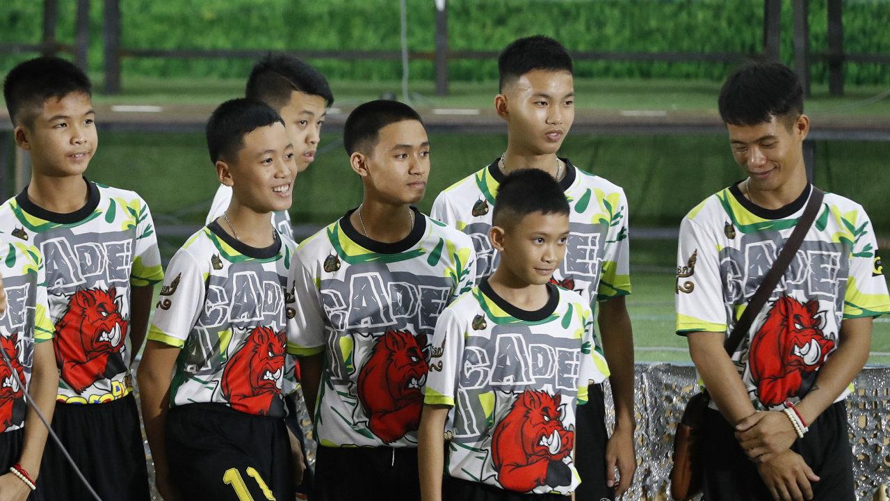 Thajští chlapci zachránění z jeskyně.