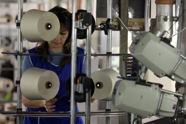 Veba, která patří k největším českým textilkám, má asi 730 zaměstnanců a v režimu soudem povolené reorganizace nadále vyrábí.