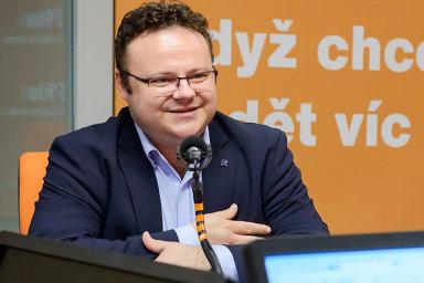 """""""Vysílání budou zajišťovat stávající redaktoři naší silné sportovní redakce,"""" uvedl generální ředitel ČRo René Zavoral."""