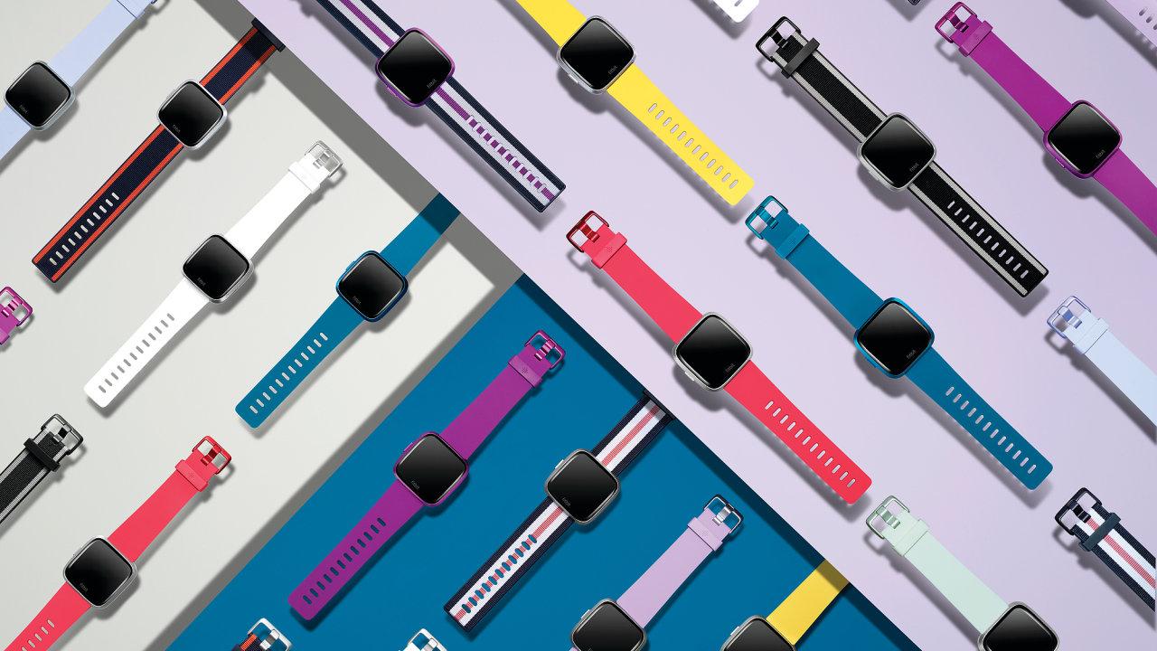 Fitbit Versa Lite sází na barevný design zaměřený primárně na ženy