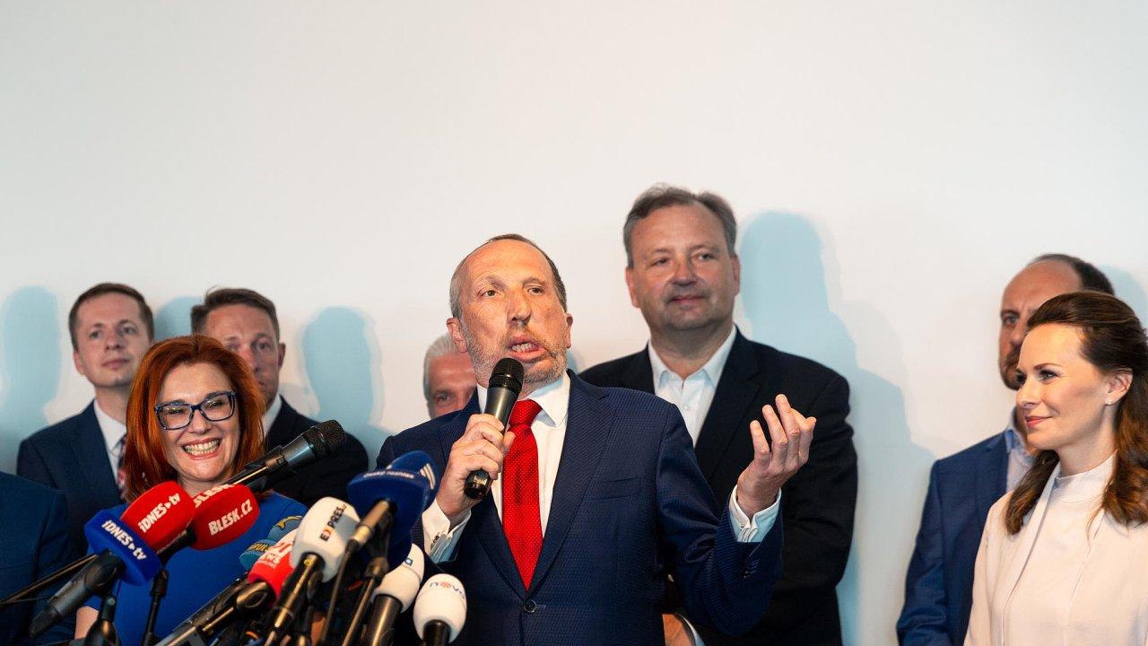Václav Klaus mladší představil své nové politické hnutí Trikolóra, které se bude snažit přetáhnout voliče jak ODS, tak i SPD.