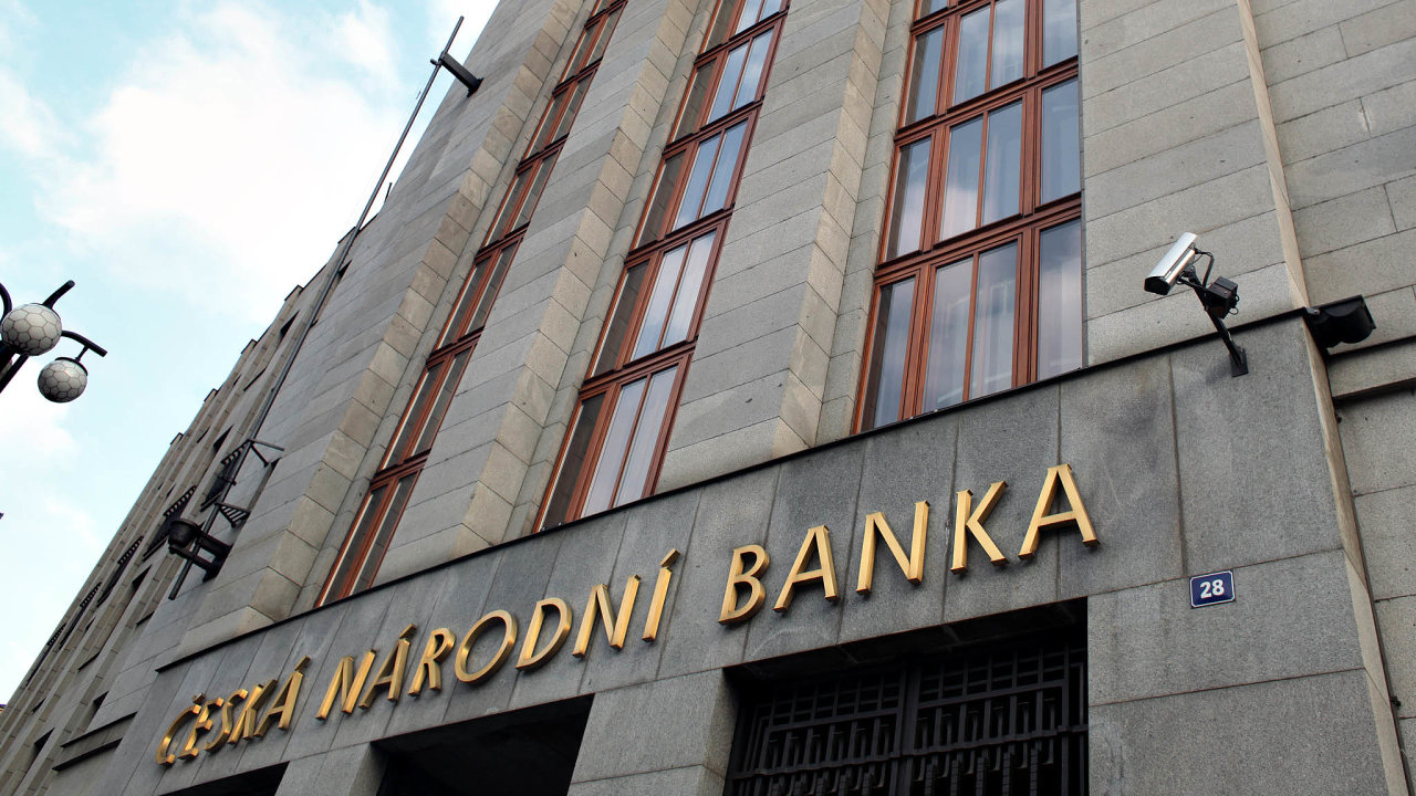 Podnikové úvěry jsou citlivější na úrokovou politiku ČNB než například hypotéky. Proto šly v poslední době nahoru.