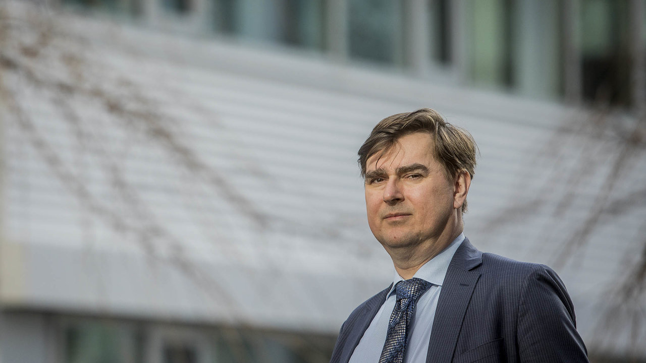 Letos v lednu nastoupil do vedení Expobank Lubomír Lízal, který byl do února 2017 v bankovní radě ČNB. Musel řešit nedostatky, které zdědil po svém předchůdci Iljovi Mitelmanovi.