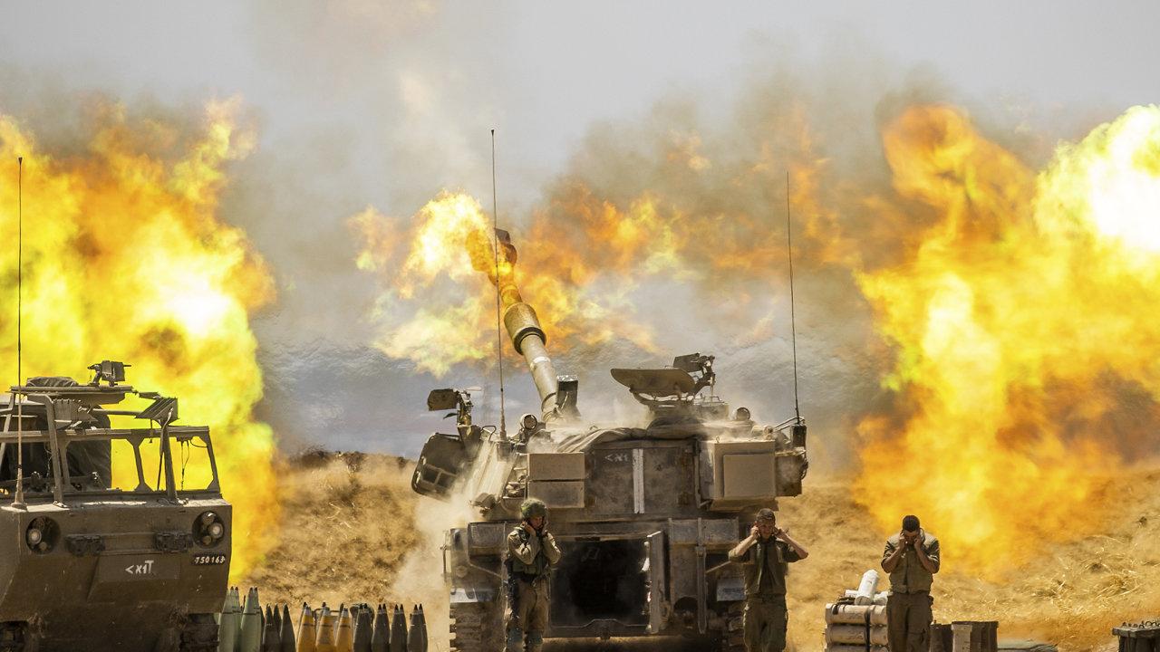 Izraelská artilerie ostřeluje cíle v palestinském Pásmu Gazy.