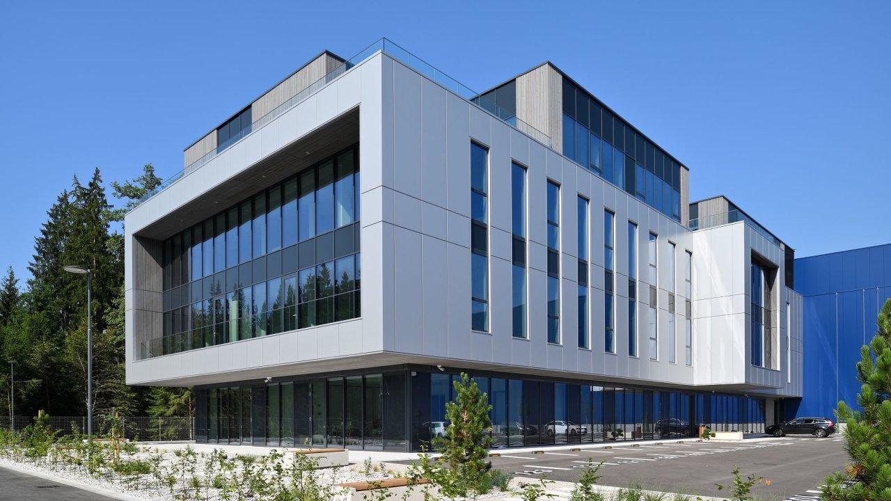 Jeden z největších skladových komplexů v rámci skupiny cargo-partner, moderní iLogistické centrum v Lublani