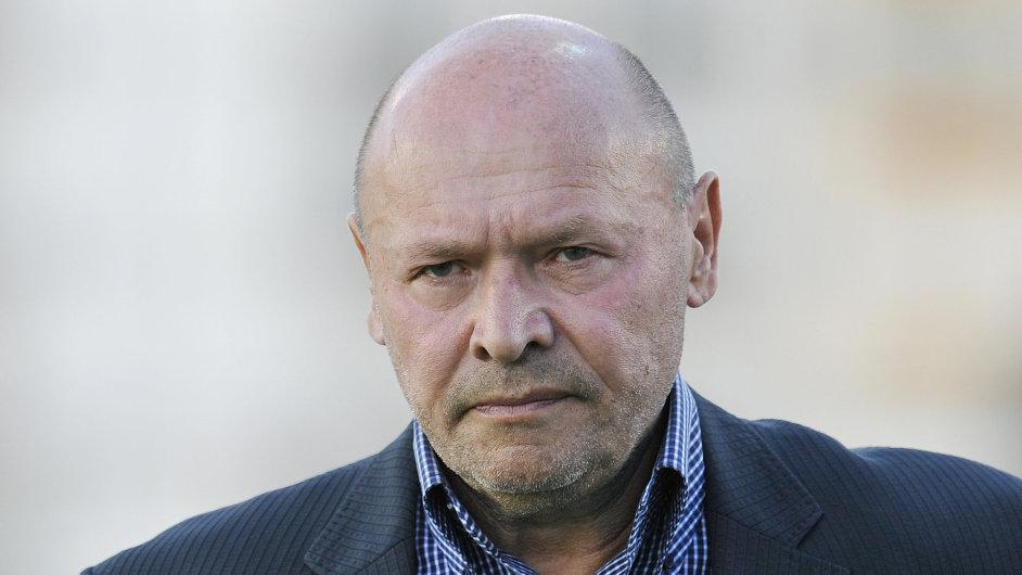 Novým trenérem Slavie Praha se stane Miroslav Koubek.