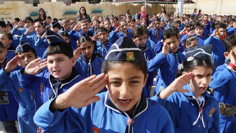 Syrské děti se uprostřed bojů vrací do škol
