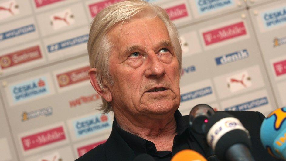 Karel Brückner má fotbal navždy v krvi.