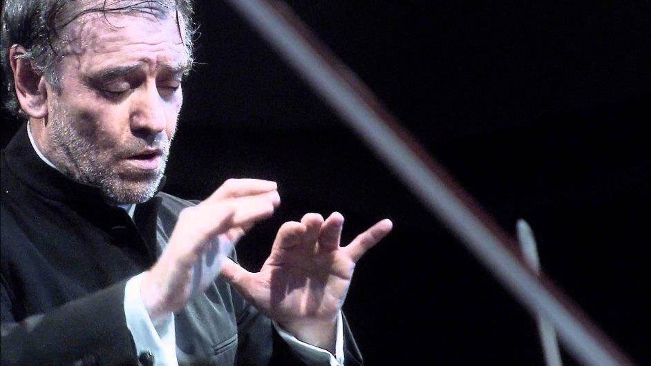 Valerij Gergijev se roku 2015 stane šéfdirigentem Mnichovské filharmonie.