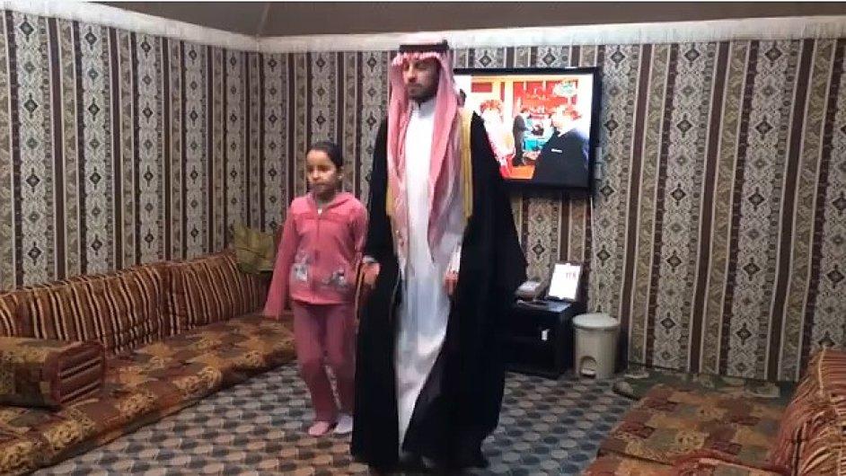 Tanec tučňáků je novým hitem sociálních sítí v Saúdské Arábii